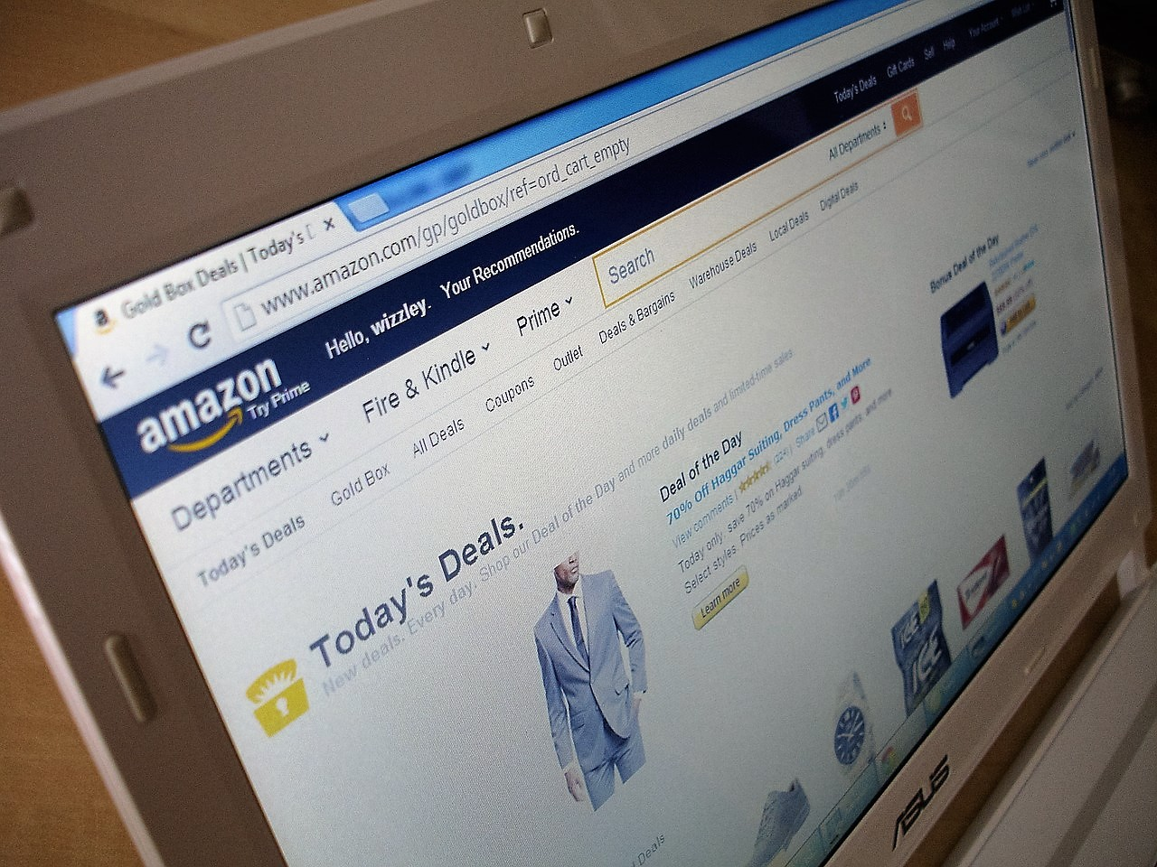 Learning From The Best: What Online Retailers Should Learn From Amazon's Success
